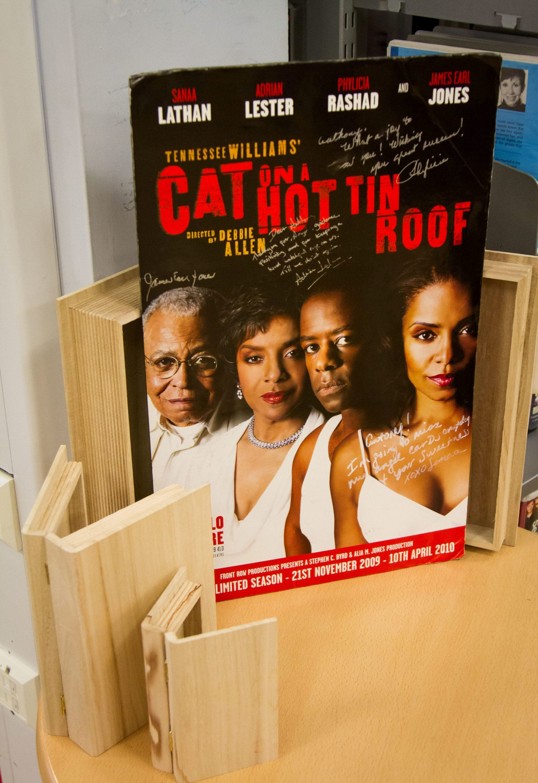 A Cat on a Hot Tin Roof poster