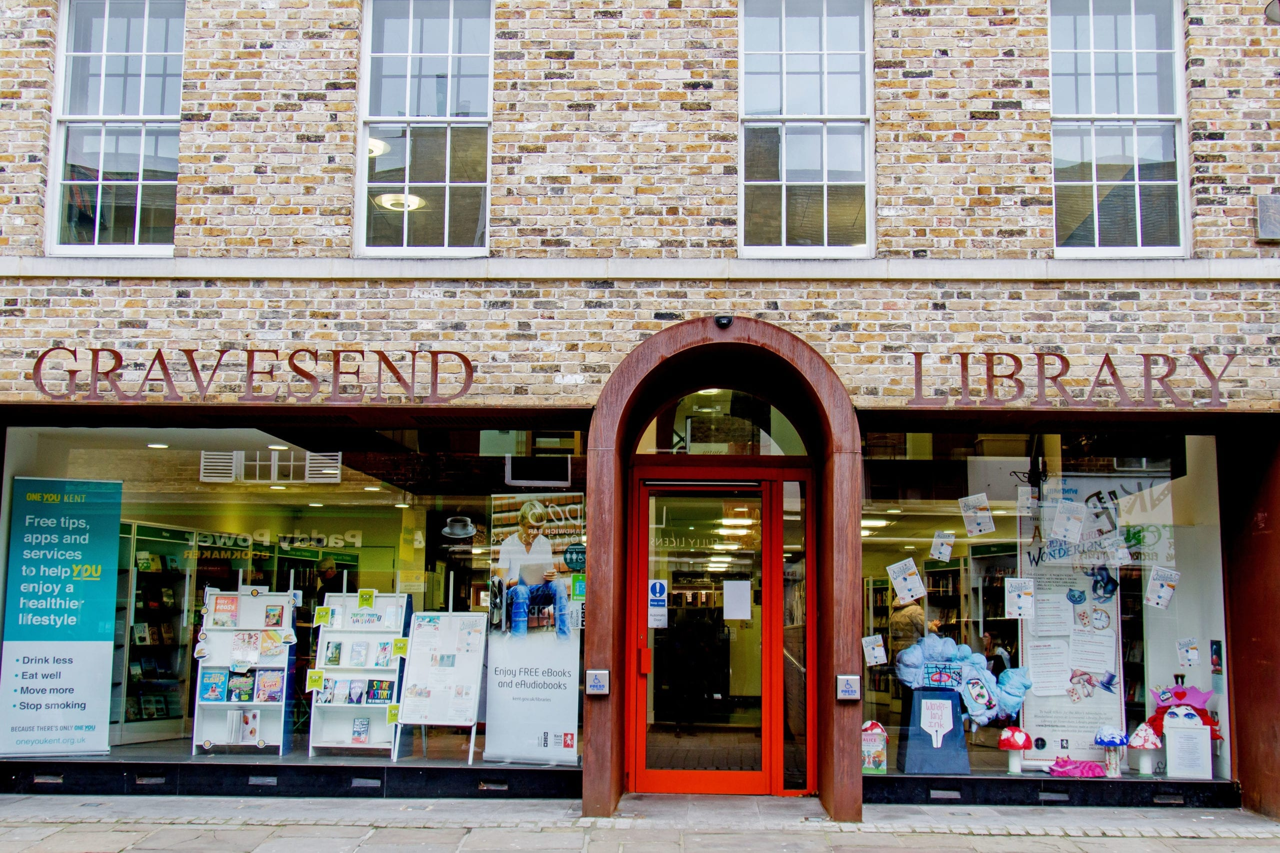 The entrance of Gravesend Library